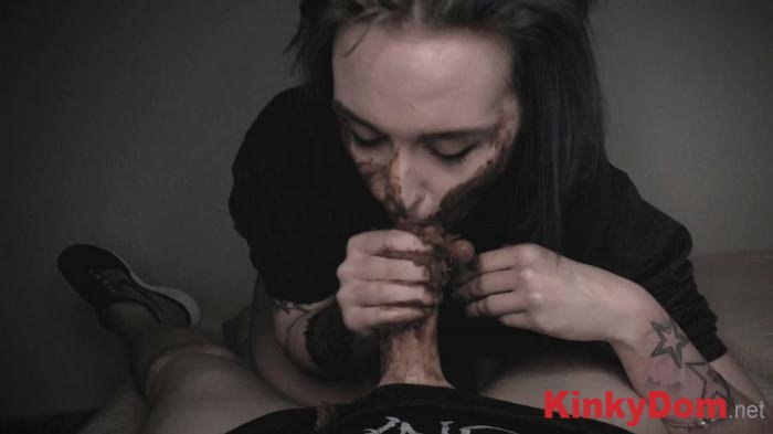 DirtyBetty (BlowJob with HUGE PIECE OF CRAP - FullHD 1080p) [mp4 / 614 MB]