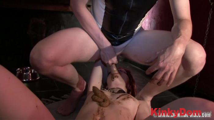 Mia, Marlen, Kelly, 1 male (LITTLE SCAT RIDING HOOD - HD 720p) [mov / 1.13 GB]