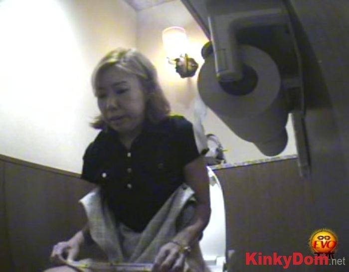 Girls (8-08 Japanese Toilet Accidents - DVDRip) [avi / 927 MB