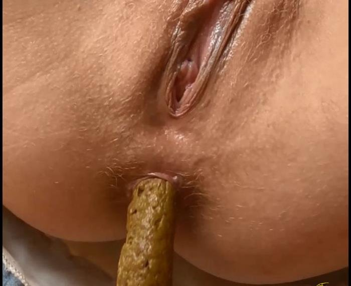 CandieCane (Defecation Closeup In High Defenition - FullHD 1080p) [mp4 / 49.8 MB]