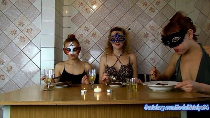 Scat Clip Modelnatalya94 Three Girls Eating Their Own Shit
