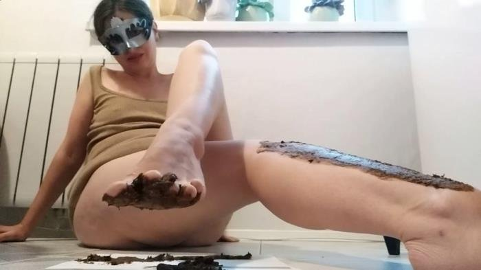 NastyGirl (Pooping and smearing poo with foot - FullHD 1080p) [mp4 / 1.24 GB]