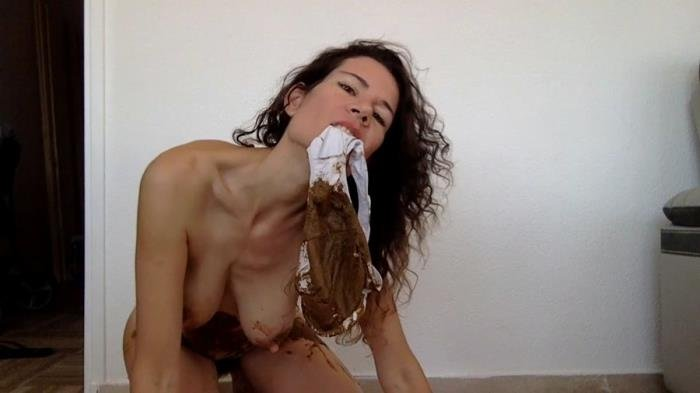 Extreme Scat Clips nastymarianne (Pooping in my new white ...