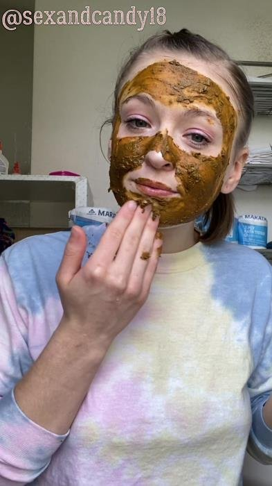 sexandcandy18 (Teen's first diaper fill + face mask! - UltraHD 2K) [mp4 / 1.06 GB]