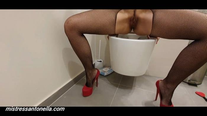 MistressAntonellaSilicone (Sexy teasing with caviar and champagne - FullHD 1080p) [mp4 / 1.78 GB]