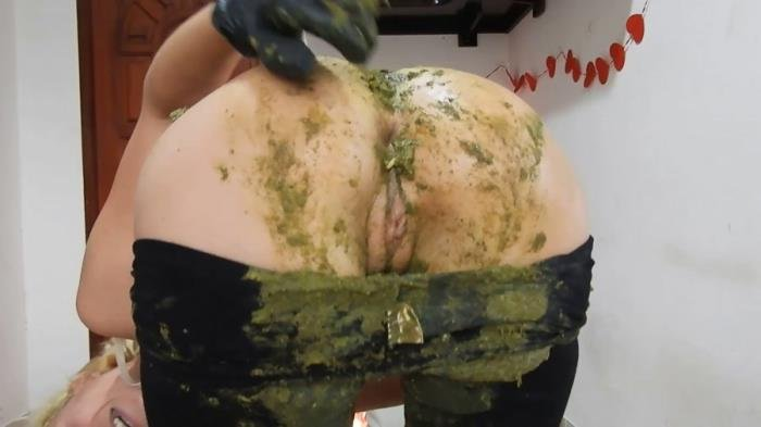 MissAnja (Giant Green Peas Poo In My Black Leggings - FullHD 1080p) [mp4 / 1.26 GB]