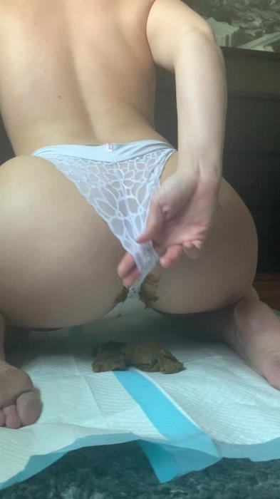 Natalielynne699 (This panty poop turned real messy - UltraHD 2K) [mp4 / 455 MB]